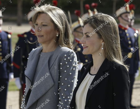 Spanish Queen Letizia (r) and Colombian President Juan Manuel Santos's Wife Maria Clemencia Rodriguez De Santos Walk Together During a Welcome Ceremony at the Palace of El Pardo in the Outskirts of Madrid Spain 01 March 2015 Santos is on a Three-day Long Visit to Spain Spain El Pardo