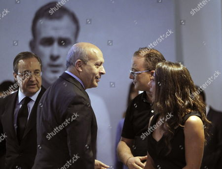 Spain's Minister For Education Culture and Sports Jose Ignacio Wert (2-l) Expresses His Condolences to Relatives of Argentine Soccer Legend Alfredo Di Stefano As Real Madrid's President Florentino Fernandez (l) Looks on Inside the Funeral Chapel Set Up at the Santiago Bernabeu Stadium in Madrid Spain 08 July 2014 the Club's Honorary President Died on 07 July 2014 at the Age of 88 After Suffering a Heart Attack Spain Madrid