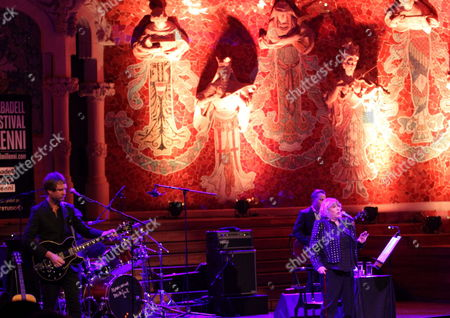 British Singer Marianne Faithfull (r) Performs on Stage During Her Concert to Present Her Last Album 'Give My Love to London' in the 50 Anniversary World Tour Held at Palau De La Musica Pavilion in Barcelona Spain 09 December 2014 Spain Barcelona