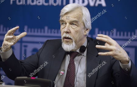 German Physicist Rolf-dieter Heuer the Director General of the European Organization For Nuclear Research Known As Cern Gestures While Talking During a Press Conference in Madrid Spain 18 November 2014 Heuer Explained the Achievements and Upcoming Challenges of the Research Organization Spain Madrid