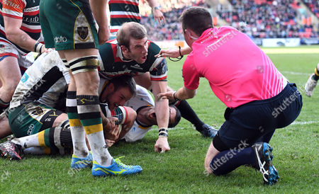 Stock Photo of Leicester's Tom Croft (centre) argues with Referee; Dan Jones (right) that the push-over try by Will Evans was okay. Decision; held up, try disallowed - Rugby Union - Leicester Tigers V Northampton Saints - Anglo-Welsh Cup - 28/01/17 - at Welford Road, Leicester UK. Photo Credit - Tom Dwyer/Seconds Left Images