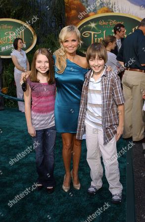Kristin Chenoweth with Sammi Hanratty and Field Cate