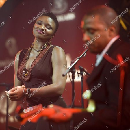 Us Singer Lizz Wright (l) Performs Onstage at the Avo Session in Basel Switzerland 07 November 2011 the Music Festival Takes Place Until 13 November Switzerland Schweiz Suisse Basel Bale Basilea Basle