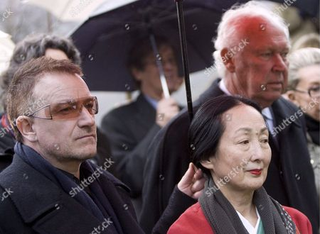 (l-r) U2 Lead Singer Bono Balthus' Wife Setsuko Klossowska De Rola and Prince Vittorio Emanuele From Savoy Participate in a Memorial Service For the 100th Birthday of the Polish-french Artist Balthus in Rossiniere Switzerland 29 February 2008 Balthus was Born 29 February 1908 in Paris As Balthazar Klossowski and Died 18 February 2001 at the Grand Chalet De Rossiniere Switzerland Schweiz Suisse Rossiniere