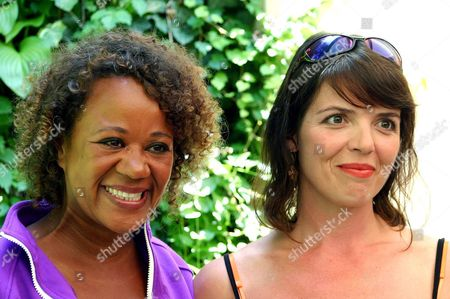 Danish Director Hella Joof (l) and Main Actress Lotte Andersen (r) Pose After the Press Presentation of Their Film 'Oh Happy Day' at the 57th International Film Festival Locarno Sunday 08 August 2004 in Locarno Switzerland Switzerland Schweiz Suisse Locarno