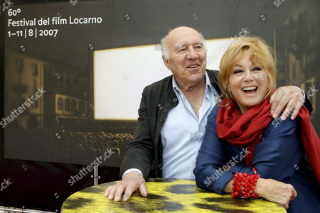French Actor Michel Piccoli (l) and French Actress Mylene Demongeot Pose During a Photocall Prior to the Presentation of Hiner Saleem's Film 'Sous Les Toits De Paris' (beneath the Roofs of Paris) at the 60th International Film Festival Locarno 09 August 2007 in Locarno Switzerland Switzerland Schweiz Suisse Locarno