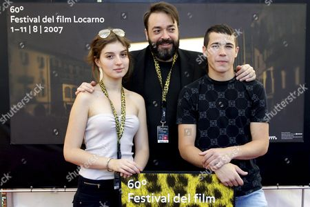 Spanish Film Director Jaime Marques (c) Poses Together with Actress Maria Valverde (l) and Actor Juan Jose Ballesta (r) During a Photocall Prior to the Press Presentation of Their Movie 'Ladrones' (thieves) at the 60th International Film Festival Locarno in Locarno Switzerland 04 August 2007 Switzerland Schweiz Suisse Locarno