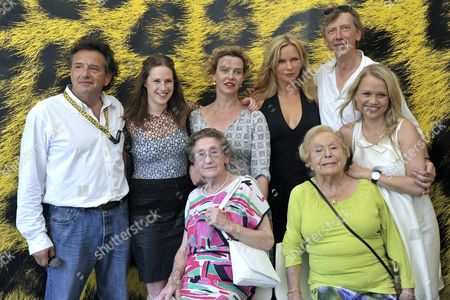 (back Row L-r) Dutch Director Ludi Boeken German Actresses Lia Hoensbroech Margarita Broich Veronica Ferres German Actor Martin Horn and German Actress Nova Meierhenrich Pose with Contemporary Witnesses Anni Richter (front L) and Marga Spiegel (front R) During a Photocall Prior to the Presentation of Their Movie 'Unter Bauern Retter in Der Nacht' ('among Peasants Saviours in the Night') at the 62nd Locarno International Film Festival 06 August 2009 in Locarno Switzerland the Film is Based on German Contemporary Witness Marga Spiegel's Memories 'Retter in Der Nacht' Published in 1965 the Festival Runs Until 15 August Switzerland Schweiz Suisse Locarno
