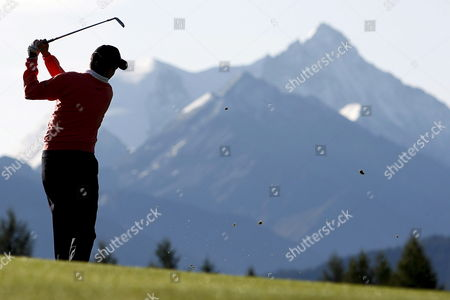 Peter Lawrie From Ireland Tees Off During the 2nd Round of the Omega European Masters Golf Tournament in Crans Montana Switzerland 05 September 2008 Switzerland Schweiz Suisse Crans-montana