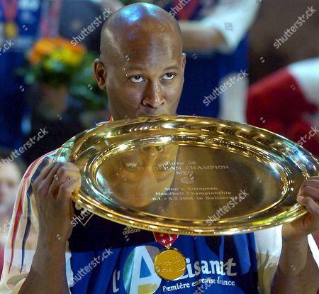 France's Player Olivier Girault Holds the Trophy After His Team Won the European Handball Championships Euro06 Final Match Between France and Spain in Zurich Switzerland Sunday 05 February 2006 Switzerland Schweiz Suisse Zurich