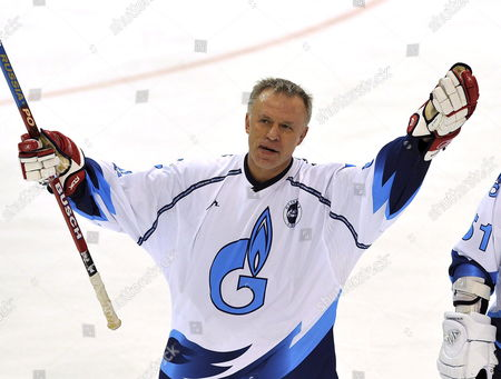 Russia's Viacheslav Fetisov Celebreates His Score to 4:4 During a Legends Game Between Switzerland and Russia in the Postfinance Arena in Bern Switzerland 01 October 2008 Switzerland Schweiz Suisse Bern