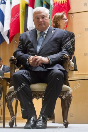 Ricardo Martinelli Berrocal President of Panama Waits on the Podium Prio to His Statement During the 101st International Labor Organization (ilo) Conference at the European Headquarters of the United Nations in Geneva Switzerland 12 June 2012 Switzerland Schweiz Suisse Geneva