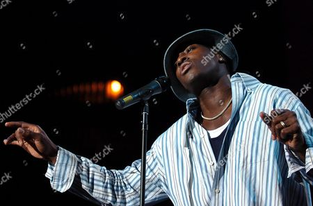 American Singer Jermaine Paul of the Group Jermaine and Jessica Performs on the Stravinski Hall Stage During the 38th Montreux Jazz Festival in Montreux Switzerland Late Saturday 03 July 2004 the Festival Will Last Until July 17 Switzerland Schweiz Suisse Montreux