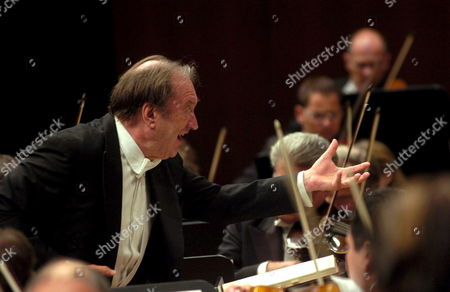 Austrian Conductor Nikolaus Harnoncourt Conducts the Vienna Philharmonic Orchestra During the Lucerne Festival Saturday 09 September 2006 in the Concert Hall of the Culture and Congresscenter Kkl in Lucerne Switzerland Switzerland Schweiz Suisse Luzern