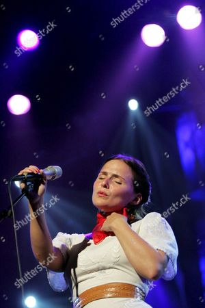 Italian-icelandic Songwriter Emiliana Torrini Performs on the Auditorium Stravinski Stage During the 39th Montreux Jazz Festival in Montreux Switzerland on Thursday July 7 2005 Switzerland Schweiz Suisse Montreux