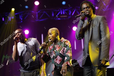 Congolese Ray Lema Left and Beninese-french Singer Angelique Kidjo Center and Senegalese Singer Baaba Maal Right Perform on the Stravinski Hall Stage at the 43rd Montreux Jazz Festival in Montreux Switzerland 10 July 2009 Switzerland Schweiz Suisse Montreux