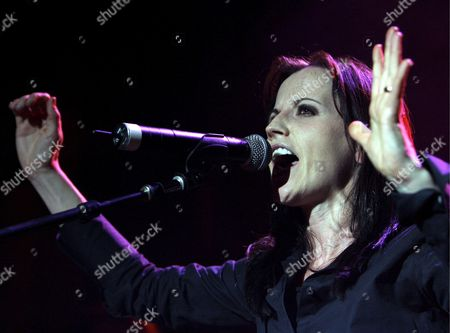Irish Singer Dolores O'riordan Former Lead Singer of Irish Band 'The Cranberries' Performs on Stage During a Concert on the Occasion of Her Solo Tour in Zurich Switzerland 01 June 2007 Switzerland Schweiz Suisse Zurich