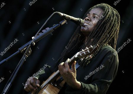 Us Singer and Musician Tracy Chapman Performs on the Main Stage During the Paleo Festival Music Open Air in Nyon Switzerland Friday July 21 2006 Switzerland Schweiz Suisse Nyon