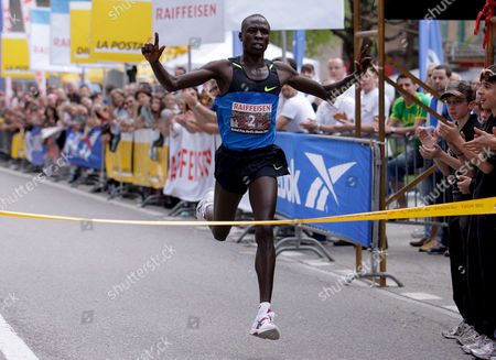 Moses Mosop of Kenya Crosses the Finish Line to Win the 10km Street Run 'Giro Media Blenio' in Dongio Southern Switzerland on 13 April 2009 Switzerland Schweiz Suisse Dongio