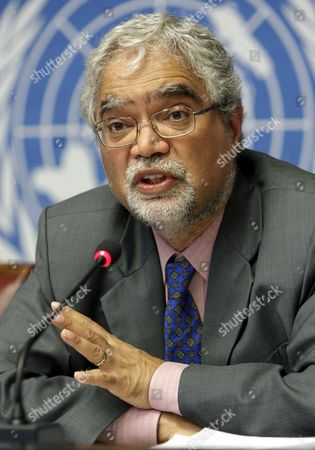 Stock Image of English Mukesh Kapila Special Representative of the Secretary General Hiv/sida Ponders a Question During a Press Conference For the World Disasters Report 2008 of the United Nations in Geneva Switzerland Wednesday June 25 2008 Switzerland Schweiz Suisse Geneva