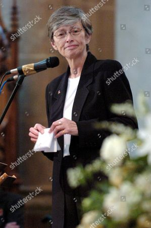 Executive Director of the United Nations Children Fund Unicef Carol Bellamy Speaks at the Funeral Ceremony For Oscar-winning British Actor and Playwright Sir Peter Ustinov in the Cathedral St Pierre in Geneva Switzerland Saturday 03 April 2004 Author of More Than a Dozen Books and Even More Theatrical Works in a Career Spanning More Than 60 Years Ustinov Died of Heart Failure in a Clinic Near His Home on the Shores of Lake Geneva on Sunday March 28 2004 at the Age of 82 Switzerland Schweiz Suisse Geneva
