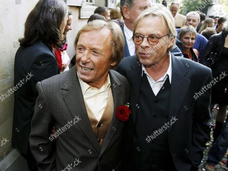 German Actor Claus Theo Gaertner (l) Known As Detective 'Matula' From the Tv Production 'Ein Fall Fuer Zwei' (a Case For Two) and His Friend Volker Lechtenbrink Pose After Gaertner's Wedding to Swiss Sarah Wuergler 20 September 2008 Outside the Museum Lindengut in Winterthur Switzerland Switzerland Schweiz Suisse Winterhur