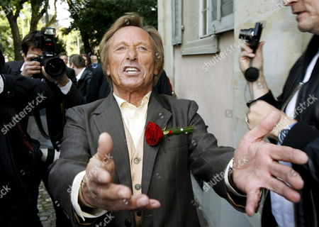 German Actor Claus Theo Gaertner Known As Detective 'Matula' From the Tv Production 'Ein Fall Fuer Zwei' (a Case For Two) Reacts After His Wedding to Swiss Sarah Wuergler 20 September 2008 Outside the Museum Lindengut in Winterthur Switzerland Switzerland Schweiz Suisse Winterhur