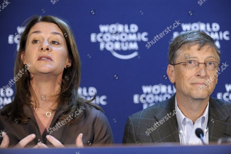 William H Gates Iii (r) and His Wife Melinda French Gates (l) Co-chair of the Bill & Melinda Gates Foundation Speak During a Press Conference at the Annual Meeting of the World Economic Forum Wef in Davos Switzerland 30 January 2009 the Overarching Theme of the World Economic Forum Wef Annual Meeting Which Will Take Place From 28 January to 1st February is 'Shaping the Post-crisis World' Switzerland Schweiz Suisse Davos