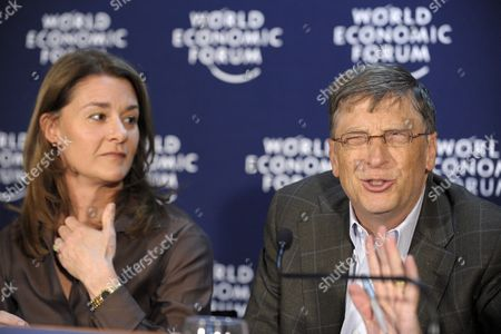William H Gates Iii (r) and His Wife Melinda French Gates (l) Co-chair of the Bill & Melinda Gates Foundation Speak During a Press Conference at the Annual Meeting of the World Economic Forum (wef) in Davos Switzerland 30 January 2009 the Overarching Theme of the Wef Annual Meeting Which Will Take Place From 28 January to 1st February is 'Shaping the Post-crisis World' Switzerland Schweiz Suisse Davos