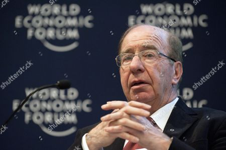 Lord Levene Chairman of Lloyd's During a Panel Session the First Day of the 41st Annual Meeting of the World Economic Forum Wef in Davos Switzerland 26 January 2011 the Overarching Theme of the Meeting is 'Shared Norms For the New Reality' It Takes Place From January 26 to 30 Switzerland Schweiz Suisse Davos