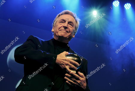 Greek-french Film Director Constantin Costa-gavras Poses with the 'Golden Eye' Award He Received For His Lifework at the Closing Night of the Zurich Film Festival in Zurich Switzerland 04 October 2008 Switzerland Schweiz Suisse Zurich