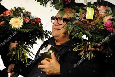 Us Actor Danny De Vito Accepts the Golden Icon Award on Behalf of Us Actor Michael Douglas at the Zurich Film Festival in Zurich Switzerland S03 October 2010 Switzerland Schweiz Suisse Zurich