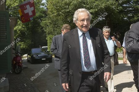 Us-linguist and Political Activist Noam Chomsky Arrives For Taking a Press Conference at the Geneva Press Club in Geneva in Geneva Switzerland Friday July 26 2013 N Switzerland Schweiz Suisse Genf Geneve