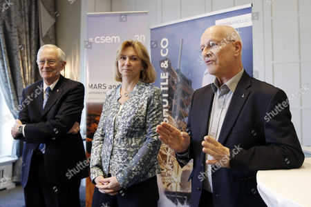 Former Astronauts Claude Nicollier of Switzerland (r) Elena Kondakova of Russia (c) and Charlie Duke of the Usa (l) Answer Journalists' Questions During a Press Conference in the Context of a Meeting at the Centre Suisse D'electronique Et Microtechnique (csem) in Bern Switzerland 09 April 2014 Switzerland Schweiz Suisse Bern