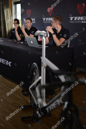 German Cyclist Jens Voigt (c) Speaks During a Press Conference Ahead of a Record Attempt in One Hour Cycling at the Velodrome Suisse in Grenchen Switzerland 17 September 2014 Voigt Will Try to Break the Record on 18 September 2014 Switzerland Schweiz Suisse Grenchen