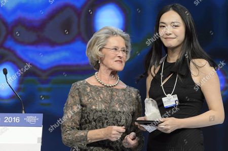 Stock Image of Chinese Actress Yao Chen (r) Receives a Crystal Award From German Hilde Schwab (l) Chairperson and Co-founder of Schwab Foundation For Social Entrepreneurship During the Crystal Award Ceremony on the Eve of the Opening of 46th Annual Meeting of the World Economic Forum Wef in Davos Switzerland 19 January 19 2016 the Overarching Theme of the Meeting Which is Expected to Gather Some 2 500 Leading Politicians Un Executives Heads of Major Corporations Ngo Leaders and Artists at the Annual Four-day Gathering Taking Place From 20 to 23 January is 'Mastering the Fourth Industrial Revolution' Switzerland Schweiz Suisse Davos