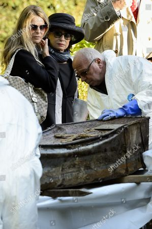 Us Actress Catherine Oxenberg (background L) and Her Mother Princess Elizabeth Karadjordjevic of Yugoslavia Look at the Coffin of Princess Olga Karadjordjevic (1903-1997) During the Exhumation of Family Coffins at the Bois-de-vaux Cemetery in Lausanne Switzerland 28 September 2012 the Coffins of Princess Olga Karadjordjevic (1903-1997) Prince Paul Karadjordjevic (1893-1976) and Prince Nicholas Karadjordjevic (1928-1954) Will Be Reburied in the Family Vault in Topola Near Belgrade in Serbia on 06 October Switzerland Schweiz Suisse Lausanne
