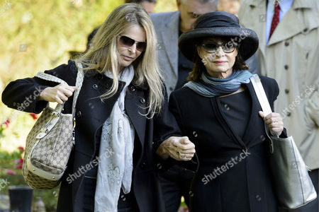 Actress Catherine Oxenberg (l) and Her Mother Princess Elizabeth Karadjordjevic of Yugoslavia Attend the Exhumation of Family Coffins at the Bois-de-vaux Cemetery in Lausanne Switzerland 28 September 2012 the Coffins of Princess Olga Karadjordjevic (1903-1997) Prince Paul Karadjordjevic (1893-1976) and Prince Nicholas Karadjordjevic (1928-1954) Will Be Reburied in the Family Vault in Topola Near Belgrade Serbia on 06 October Prince Paul was Regent of the Kingdom of Yugoslavia During the Minority of King Peter Ii As Acting Head of State He Sanctionned the Government's Signature of the Tripartite Pact with the Axis Powers During Wwii Epa/laurent Gillieron Switzerland Schweiz Suisse Lausanne