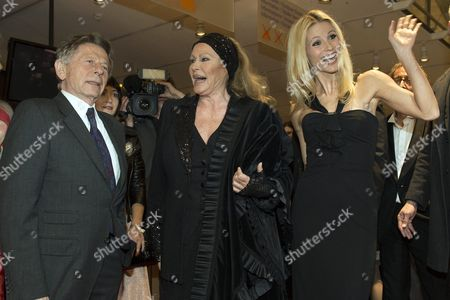 (l-r) French Filmmaker Roman Polanski Swiss Actress Ursula Andress and Swiss Tv Host Michelle Hunziker Pose For the Media on the Red Carpet Prior to a Gala Night in Bern Switzerland 03 November 2012 the 'Gala De Berne' is a New Event That Should Bring More Stars and Glamour to Switzerlands Capital Switzerland Schweiz Suisse Bern