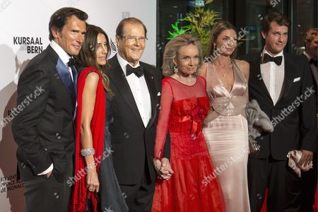 (l-r) Geoffrey Moore Loulou Moore British Actor Roger Moore with His Wife Swedish Kristina Tholstrup Lara Moore and Christian Moore Arrive at the 'Gala De Berne' a Gala Dinner in the City of Berne Switzerland 17 October 2013 the 'Gala De Berne' is an Event That Should Bring More Stars and Glamour to Switzerlands Capital Switzerland Schweiz Suisse Berne