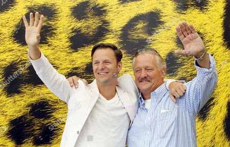 Austrian Actors Philipp Hochmair (l) and Rainer Frimmel (r) Gesture During a Photocall For the Italian/austrian Movie Der Glanz Des Tages (the Shine of Day) at the 65th Locarno International Film Festival in Locarno Switzerland 06 August 2012 Switzerland Schweiz Suisse Locarno