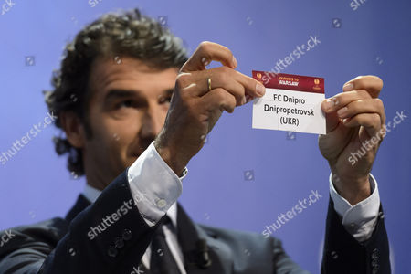 Former German Soccer Player Karl-heinz Riedle Ambassador For the Uefa Champions League Final in Berlin Shows the Lot of Fc Dnipro Dnipropetrovsk During the Draw of the Semi-finals of Uefa Europa League 2014/15 at the Uefa Headquarters in Nyon Switzerland 24 April 2015 Switzerland Schweiz Suisse Nyon