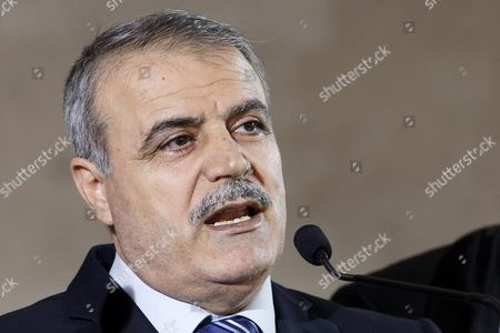 Asaad Al-zoubi Head of Delegation of the High Negotiations Committee (hnc) Speaks to the Media After a Round of Negotiations Between the Syrian Opposition and Un Special Envoy of the Secretary-general For Syria Staffan De Mistura (not Pictured) at the European Headquarters of the United Nations in Geneva Switzerland 18 March 2016 Switzerland Schweiz Suisse Geneva Geneve Genf