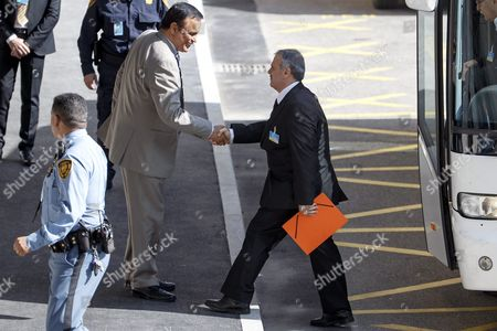 Asaad Al-zoubi (r) Head of the Syrian Opposition Delegation of High Negotiations Committee (hnc) Arrives to Take Part at a Round of Negotiations Between the Syrian Opposition and Un Special Envoy of the Secretary-general For Syria Staffan De Mistura (not Pictured) at the European Headquarters of the United Nations in Geneva Switzerland 22 March 2016 Switzerland Schweiz Suisse Geneva