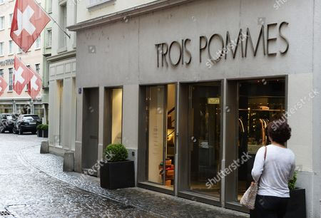 An Extrior View of a Store of Fashion Label 'Trois Pommes' in Zurich Switzerland 09 August 2013 Swiss Officials Apologized Late 08 August 2013 After Top Us Talk Show Host Oprah Winfrey Said She Had Been the 'Victim of Racism' While Visiting Switzerland in July Winfrey was in Zurich to Attend Singer Tina Turner's Wedding to German Impresario Erwin Bach when She Visited the Exclusive Trois Pommes Boutique Blick Newspaper Wrote in an Interview with Us Programme Entertainment Tonight Winfrey Said She Wanted to Take a Closer Look at a Handbag Selling For Around 38 000 Dollars But the Seller Refused to Take It Off the Shelf Telling Winfrey 'No It's Too Expensive ' when Winfrey Persisted the Seller Offered Her Cheaper Bags Telling Her 'I Don't Want to Hurt Your Feelings' Because the Bag was Presumably Beyond Her Means Switzerland Schweiz Suisse Zurich