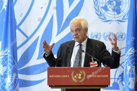 John Mccallum Canada?s Minister of Immigration Refugees and Citizenship Speaks at a Press Conference Following His Participation at the Meeting on Global Responsibility Sharing Through Pathways For Admission of Syrian Refugees at the United Nations in Geneva Switzerland 30 March 2016 Unhcr is Hosting in Geneva a High-level Conference That Will Focus on Refugees From Syria and the Need For Generating a Substantial Increase in Resettlement and Other Answers For Their Plight Switzerland Schweiz Suisse Geneva Geneve Ginevra Genf