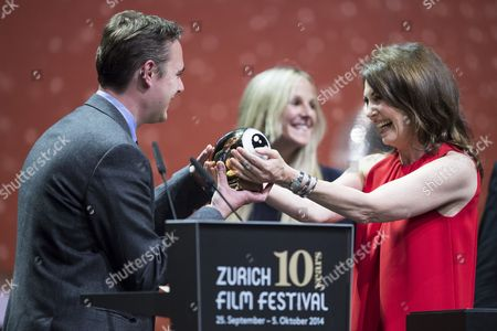 British Film Director Nick Broomfield (l) Receives the Golden Icon Award During the Award Night of the 10th Zurich Film Festival in Zurich Switzerland 04 October 2014 the Zurich Film Festival (zff) Runs Until 05 October Switzerland Schweiz Suisse Zurich