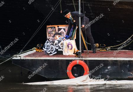 Joe Corre Son of Sex Pistols Manager Malcolm Mclaren and Fashion Designer Vivienne Westwood Arranges an Estimated Five Million Pounds Worth of Punk Music Memorabilia Before He Will Set Fire to It on the Thames in Chelsea Central London Britain 26 November 2016 the Pair Arranged the Fire in Protest Over an Event Celebrating the 40th Anniversary of the Release of the Sex Pistols Debut Single Anarchy in the Uk United Kingdom London