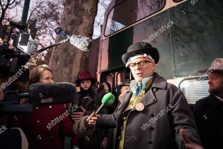 Joe Corre Son of Sex Pistols Manager Malcolm Mclaren and Fashion Designer Vivienne Westwood Speaks to the Media After He Set Fire to an Estimated Five Million Pounds Worth of Punk Music Memorabilia on the Thames in Chelsea Central London Britain 26 November 2016 Corre and Westwood Arranged the Fire in Protest Over an Event Celebrating the 40th Anniversary of the Release of the Sex Pistols Debut Single Anarchy in the Uk United Kingdom London