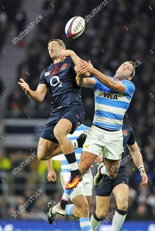 England's Jonny May (l) in Action Against Argentina's Juan Martin Hernandez (r) During the Autumn Rugby International Series Match Between England and Argentina at Twickenham in London Britain 26 November 2016 United Kingdom London